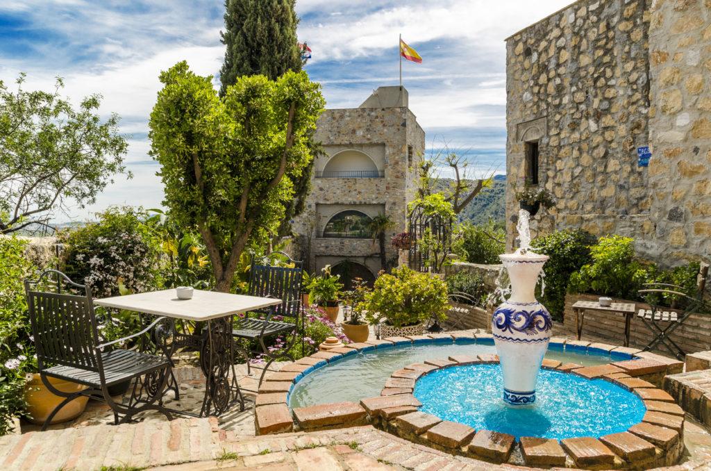 Heerlijke tuin van Castillo de Monda