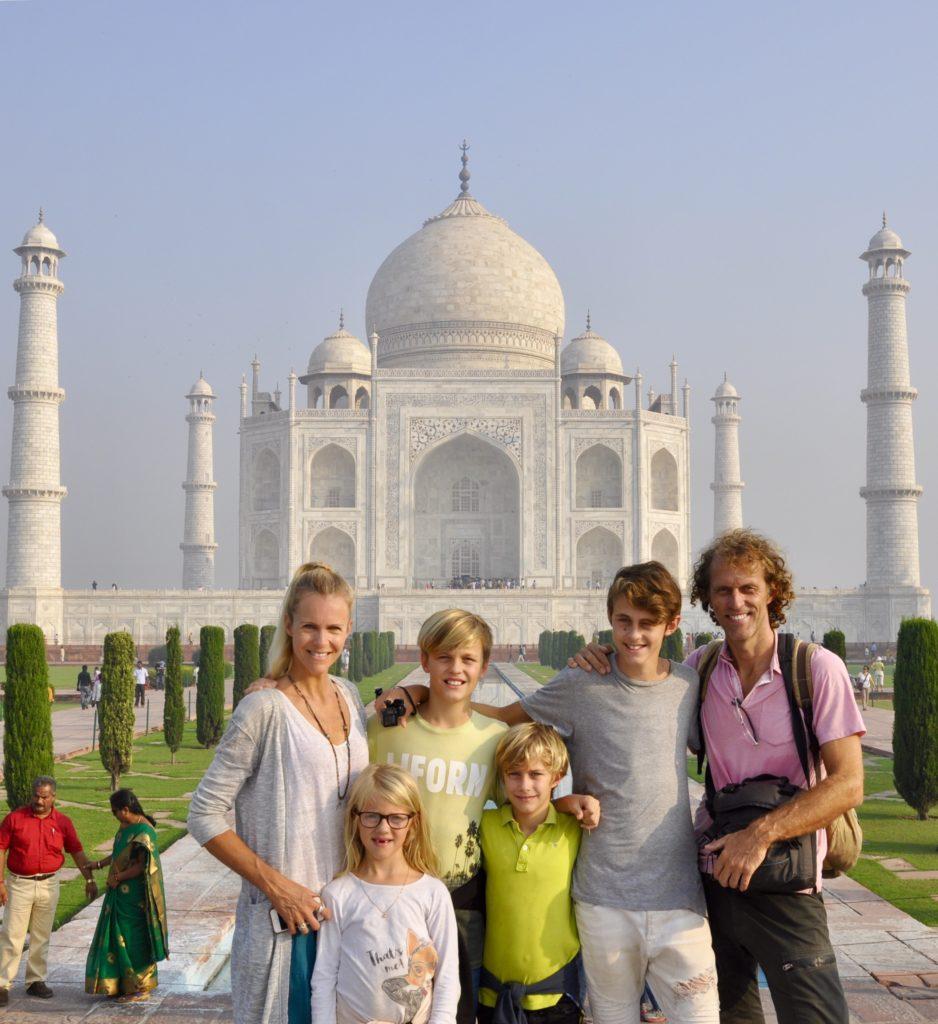 Eva Meenhorst met familie op reis